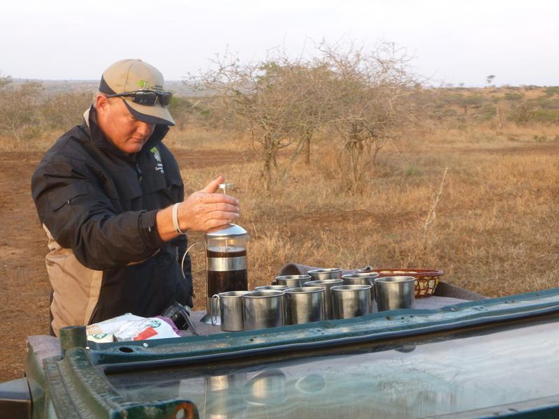 manie-making-coffee