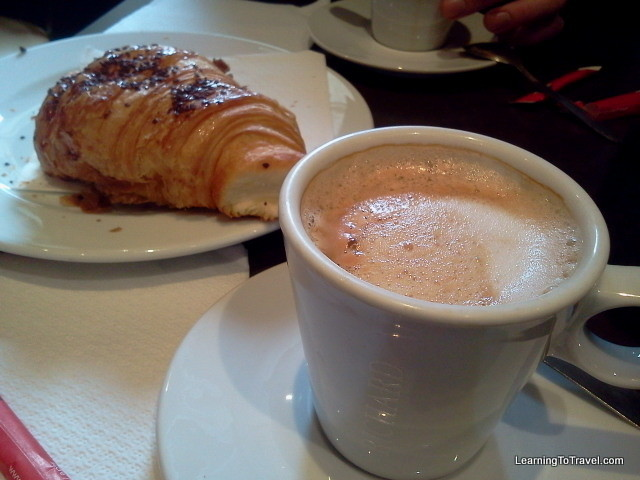 Cafe and a Croissant