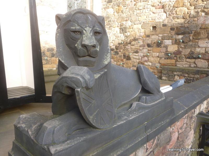 Statue at Edinburgh Castle