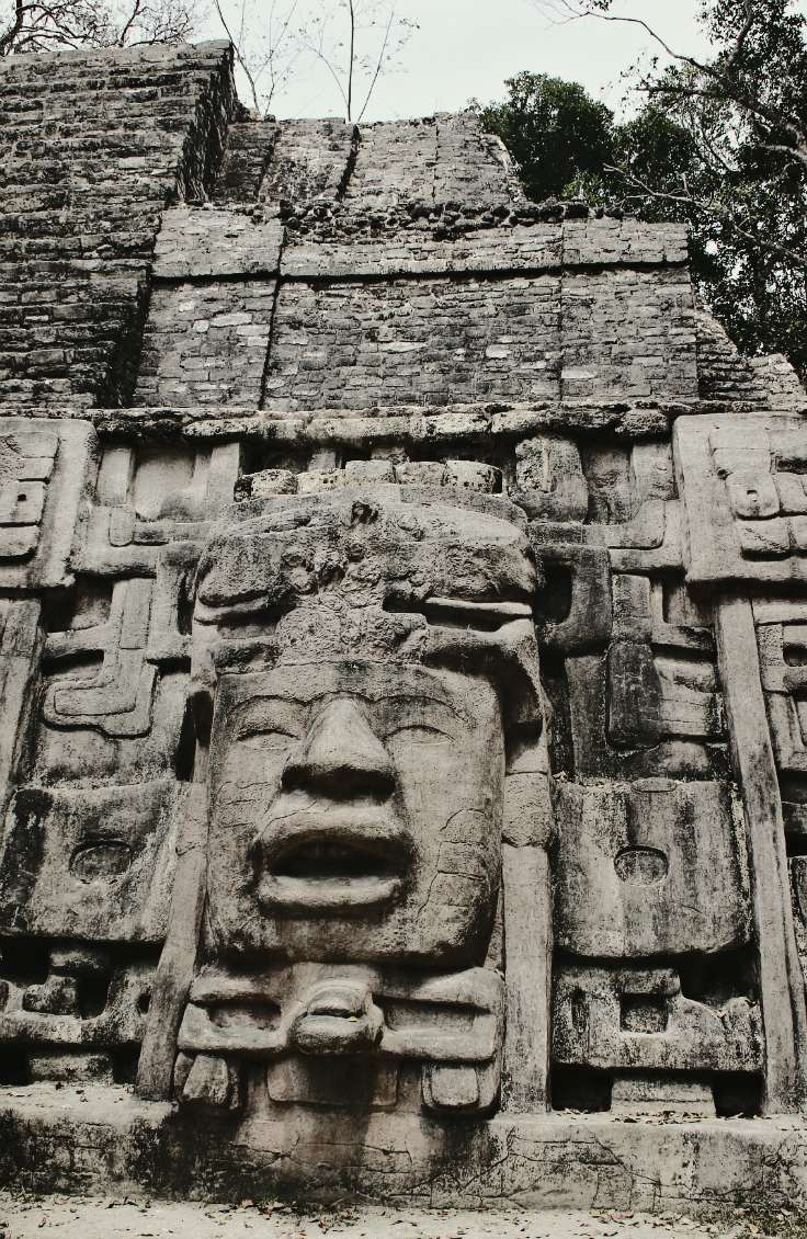 ancient mayan ruins in lamanai belize