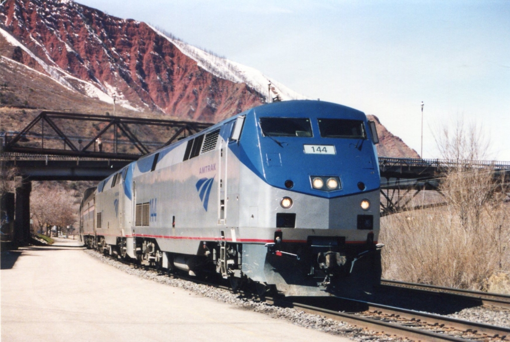 amtrak train travel in the united states